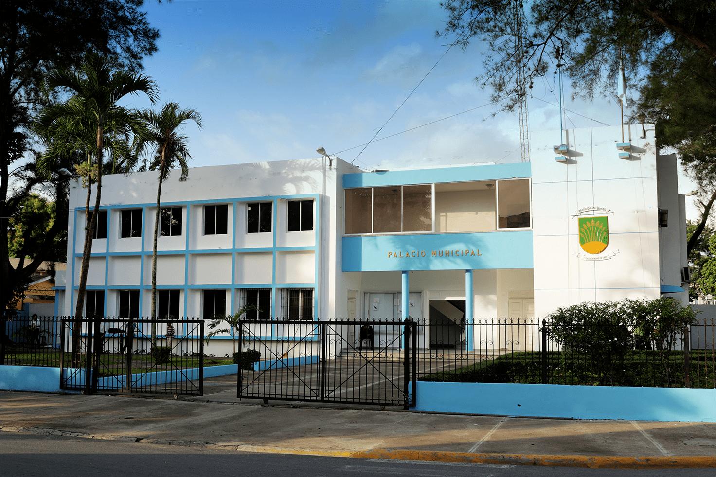Ayuntamiento de Bonao realizará operativo para retirar letreros y negocios que obstruyen las vías públicas