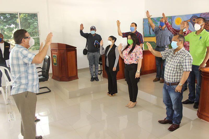 Alcalde Eberto Núñez juramenta Comité de Calidad del Ayuntamiento de Bonao