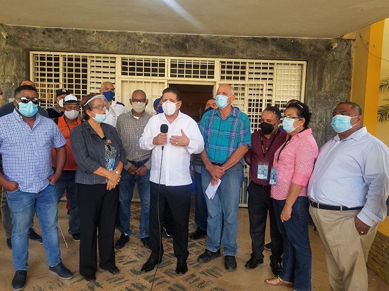 Alcaldía de Bonao inicia gran cruzada de desinfección de los centros de votación en coordinación con la Junta Electoral