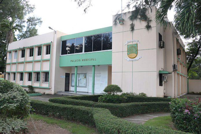 Departamentos de servicios de la Alcaldía de Bonao laboran con normalidad
