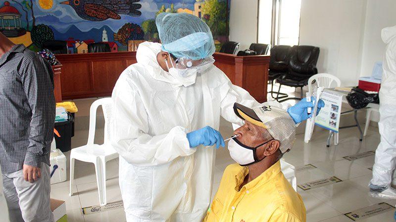 Alcaldía de Bonao y Provincial de Salud realizan segundo operativo de pruebas PCR a empleados del cabildo
